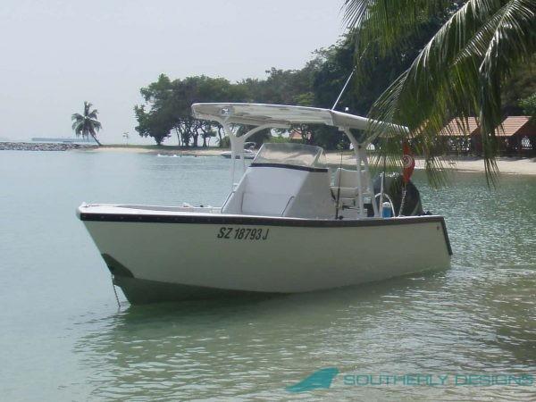 8.70m Avenger 870 Outboard